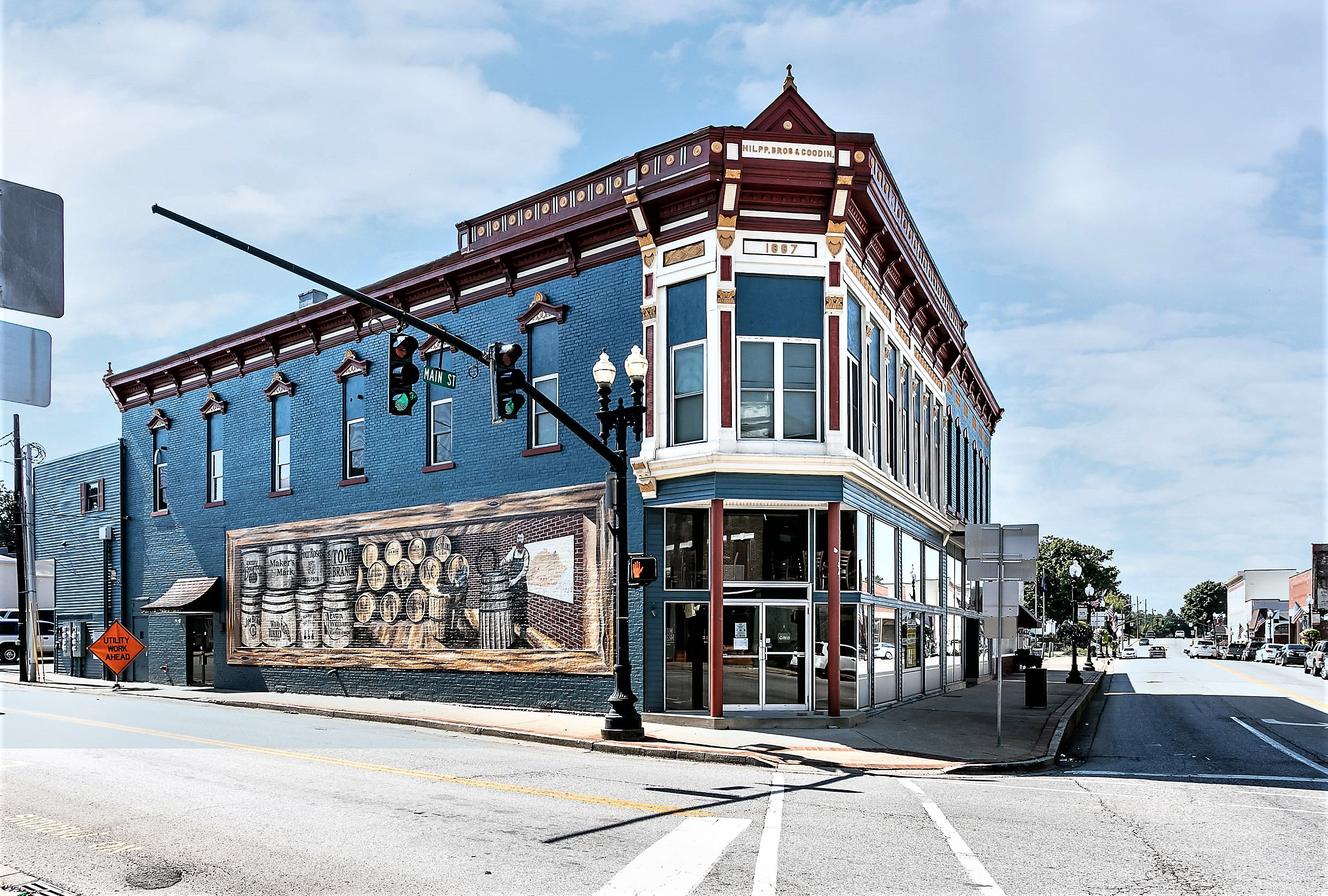 202 W. Main Street – Lebanon Complete Walk-Out Real Estate & All Restaurant Contents, Inventory & Equipment Plus 7 Rental Units