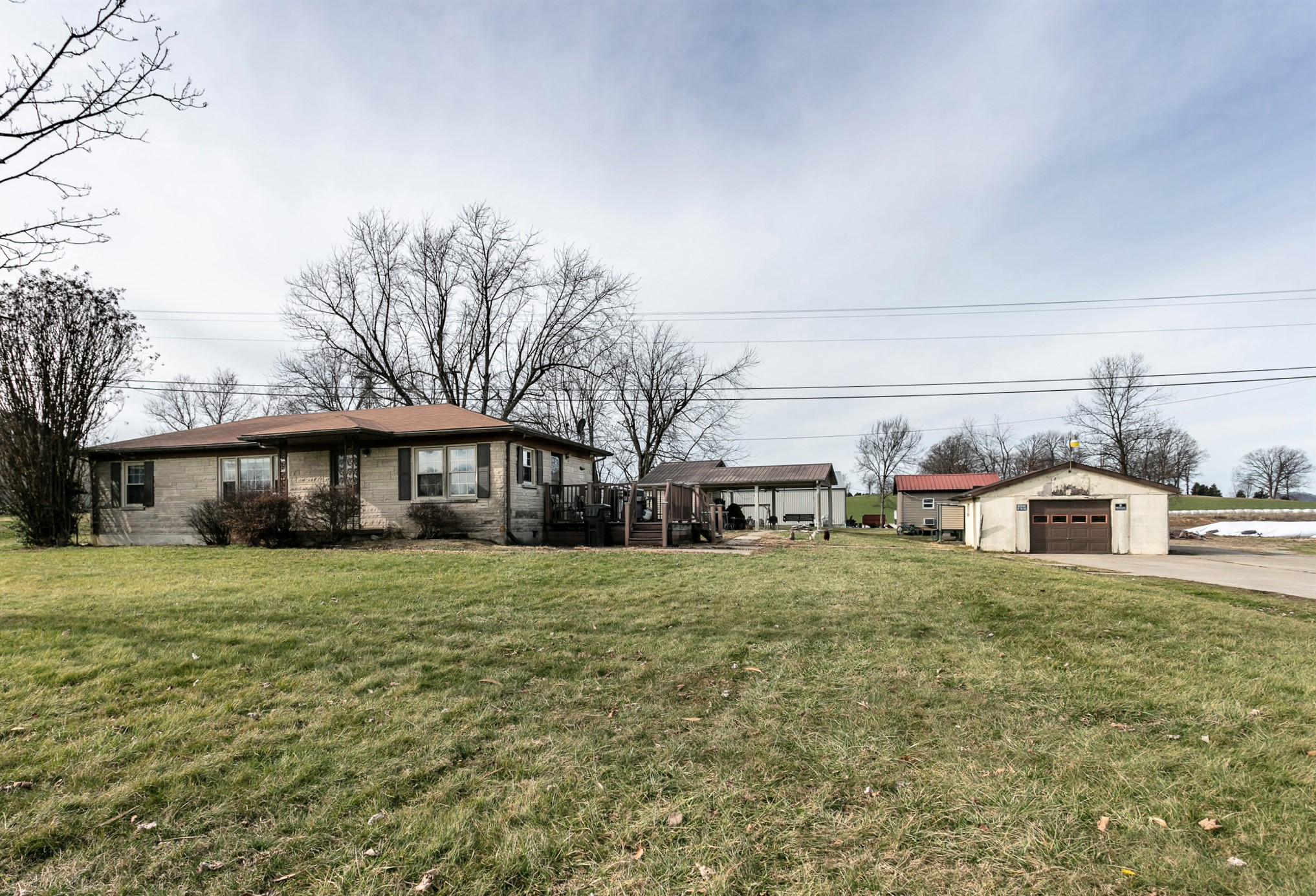 835 Holy Cross Road – Loretto