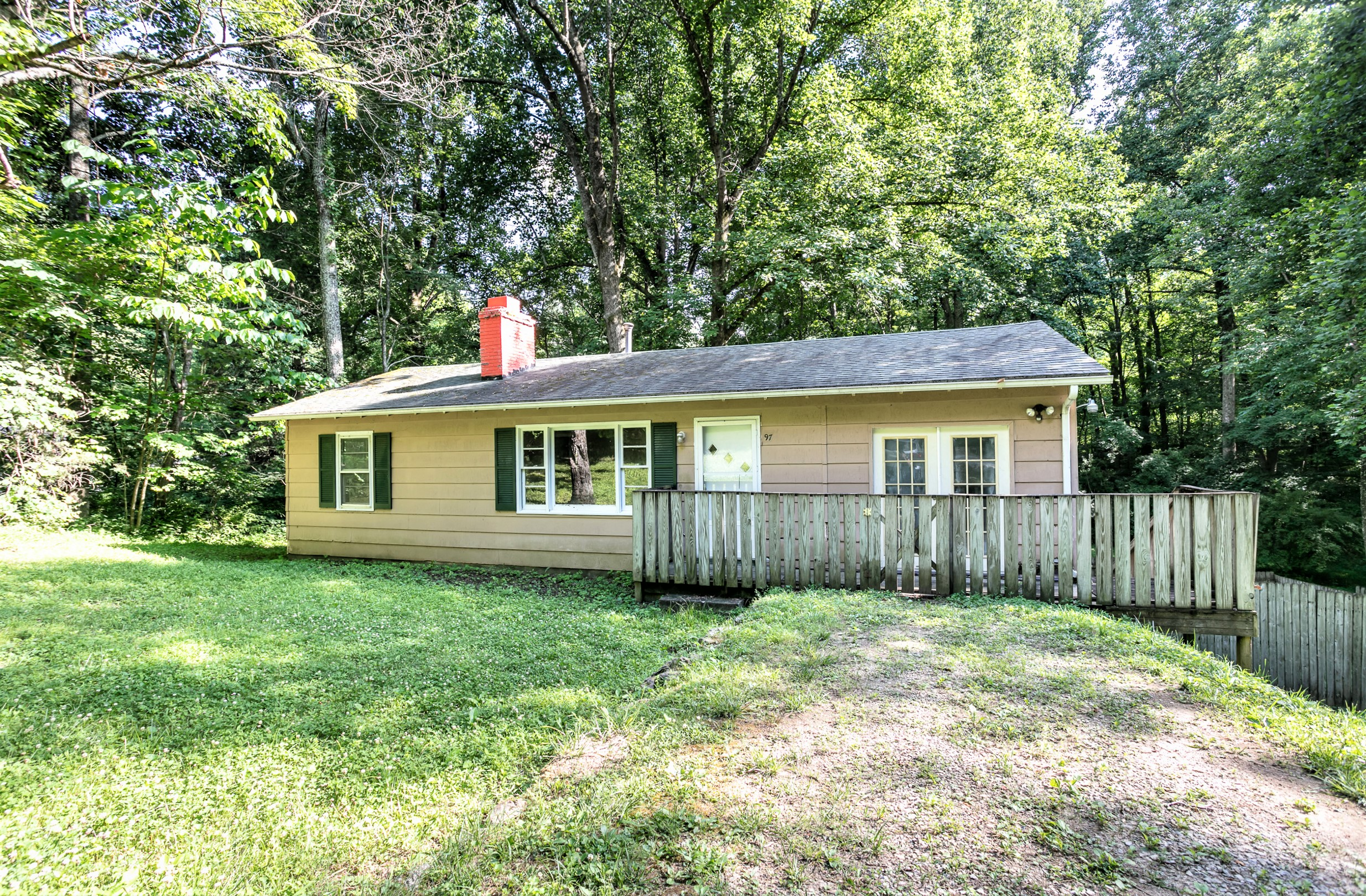 97 Hickory Court – New Haven