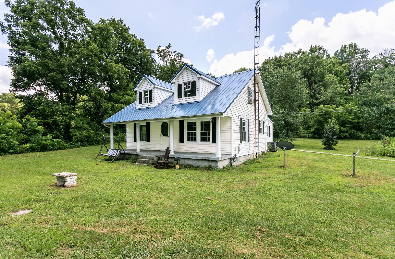 695 Buffalo Road – Bradfordsville